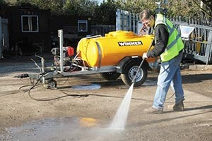 When to Choose a Hot Water Pressure Washer?